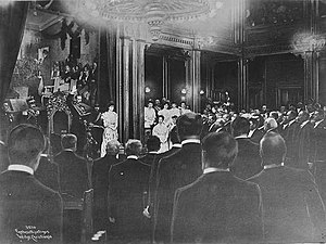1905 in Norway - Image: 1905 swearing in of Haakon VII