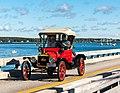 1915 Model T Ford (15180110476).jpg