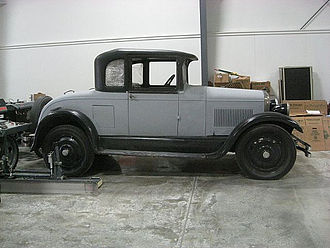 Studebaker Dictator - 1927 Business Coupe