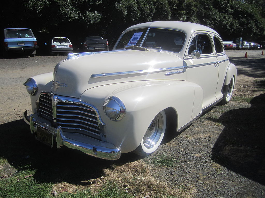 File:1942 Chevrolet Special Deluxe Coupe.jpg - Wikimedia Commons
