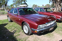 1989 Jaguar Sovereign XJ40 Saloon (26437501874).jpg
