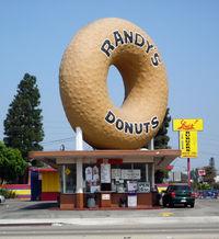 2008-0914-RandysDonuts.jpg