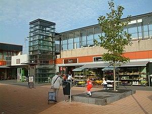 Buytenwegh RandstadRail station - Image: 2008 Station Buytenwegh (01)