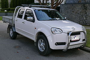 Great Wall Wingle - Image: 2010 Great Wall V240 (K2) Super Luxury 2WD 4 door cab chassis (2015 07 03)