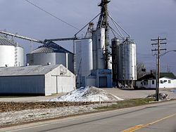 Grain elevator in Troy Grove