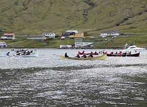 2012 rowing race 5mannafor girls Sundalagsstevna.jpg