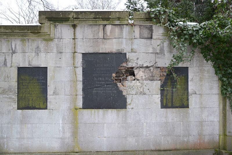 File:2013-03-31 Kaiser-Wilhelm-Gedächtnis-Friedhof Berlin Grab Familie Hirsch.JPG