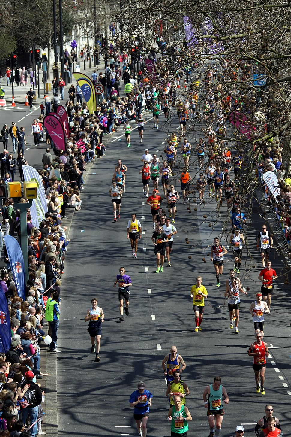 2013 London Marathon at Victoria Embankment (1)