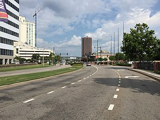 Virginia State Route 337 - View south along SR 337 Alt in downtown Norfolk