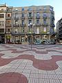 263 Plaça d'Alfons XII (Tortosa), al fons l'antiga clínica Sabaté.JPG