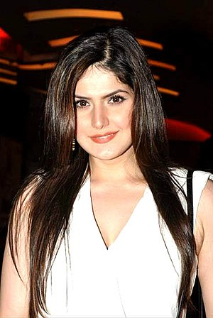 Zareen Khan - Khan at the premiere of Jobs in 2014