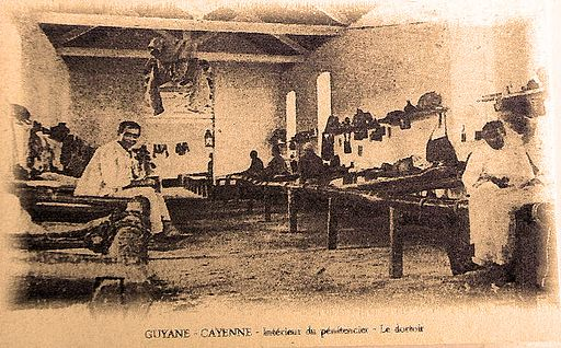 A Cayenne le dortoir du pénitencier