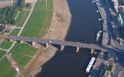 Aerial photo Dresden Augustus bridge Augustusbrücke from Neustadt left to city right across river Elbe Foto 2008 Wolfgang Pehlemann Wiesbaden IMG 0390.jpg