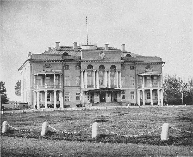 Файл:. Александрийском дворце (Москва) JPG