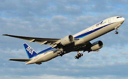 Un Boeing 777-300ER de All Nippon Airways au décollage. - Boeing 777