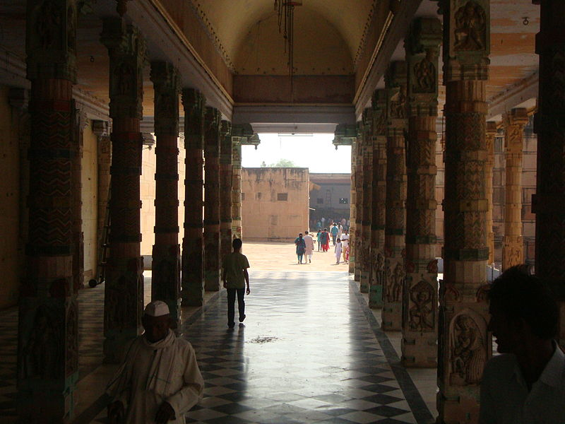 File:Ancient Temple at Mathura, Uttar Pradesh.JPG