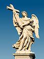 Ange à la croix d'Ercole Ferrata, Pont saint-Ange, Rome, Italie.jpg
