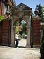 Archway in the Garden Wall, Pembroke College - geograph.org.uk - 1333812.jpg