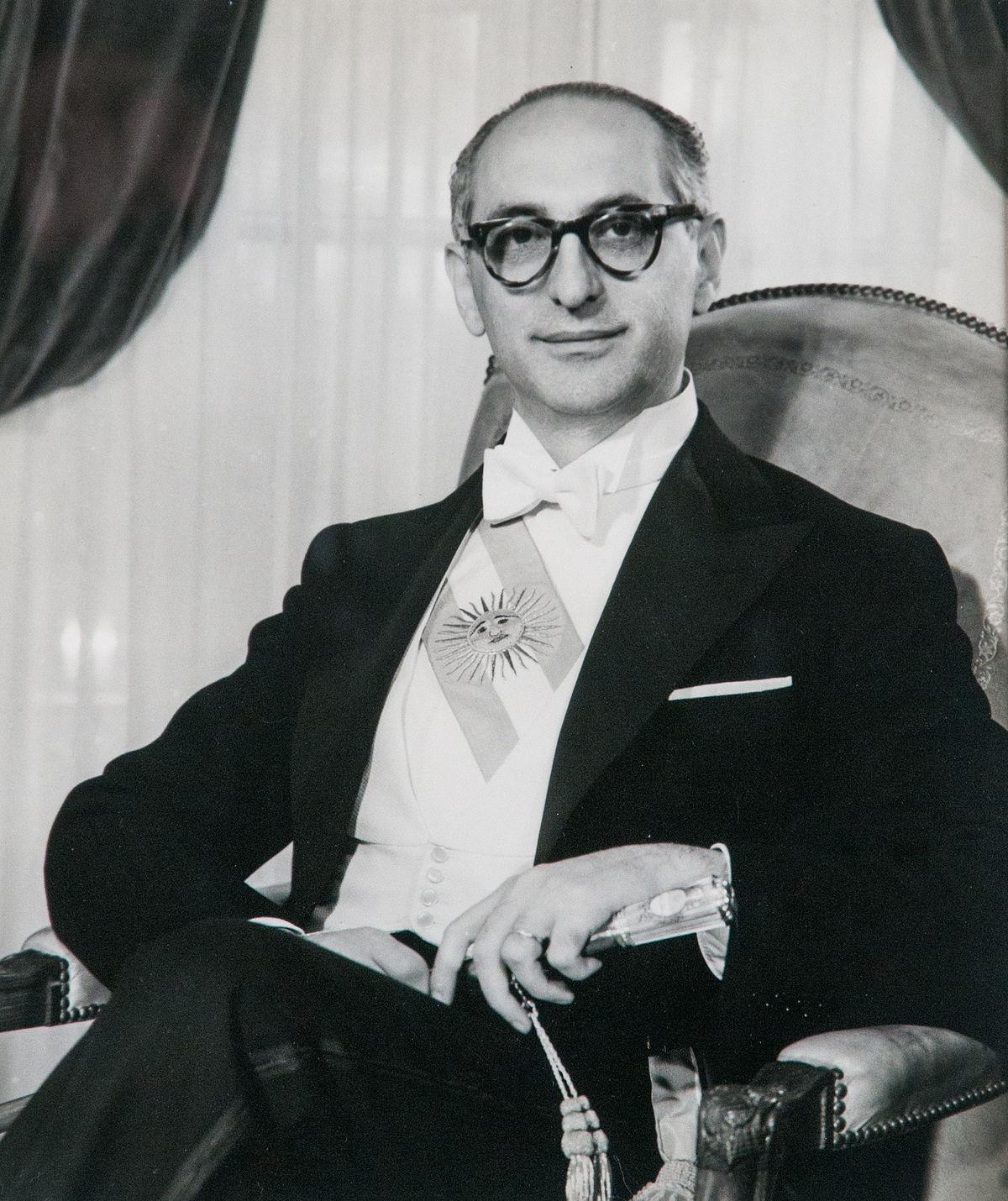 Arturo Frondizi - Wikipedia, la enciclopedia libre