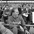 Atletiek Nederland tegen Noorwegen te Hengelo. Een Noorse atleet op de tribune, Bestanddeelnr 904-1404.jpg