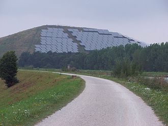 Fürth - Solar power collection on former landfill at Atzenhof