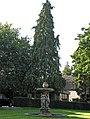 Baarn, Villa Pera tuinaanleg fontein en conifeer RM529520 (1).jpg