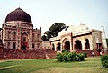 Bara Gumbad and the mosque, Lodhi Gardens.jpg