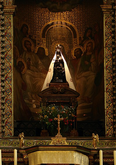 18 août Notre-Dame de Liesse 400px-Basilique_Notre-Dame_de_Liesse_14082008_09