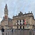 Beffroi de la chambre de commerce (à gauche) et l'opéra de Lille (à droite).jpg