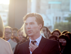Benedict Cumberbatch at the London premiere of Tinker Tailor Soldier Spy.png