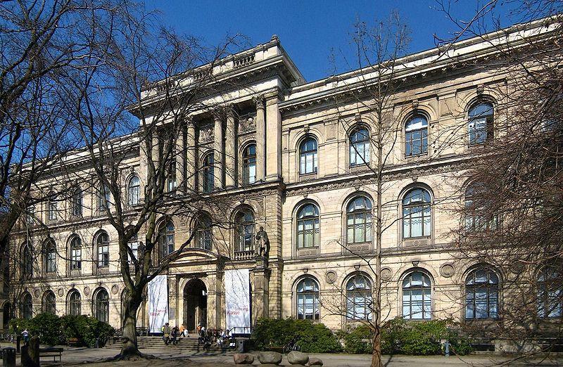 File:Berlin, Mitte, Invalidenstrasse 43, Museum für Naturkunde.jpg