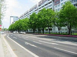 Straße der Pariser Kommune - Straße der Pariser Kommune in Friedrichshain