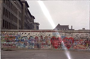 Traveling on One Leg - Part of the Berlin Wall, 1988. The protagonist Irene visits an acquaintance from whose flat the wall can be seen.