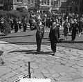 Bezoek Deense Koninklijke familie aan Amsterdam, kranslegging Dam, Bestanddeelnr 906-4206.jpg