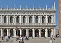 Biblioteca Marciana a Venezia facciata est 3.jpg