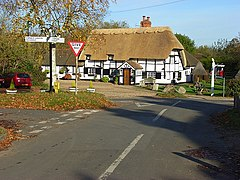 Binfield Heath pub.jpg