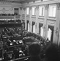 Binnenhof te Den Haag Tweede Kamer Overzicht van de zittingszaal, leden en b…, Bestanddeelnr 900-8296.jpg