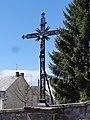 Biollet (Puy-de-Dôme) croix de chemin au bourg.JPG