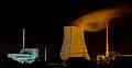 Blick auf KKW Isar bei Nacht.jpg