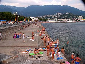 Boardwalk at Yalta Ukraine (3943053701)