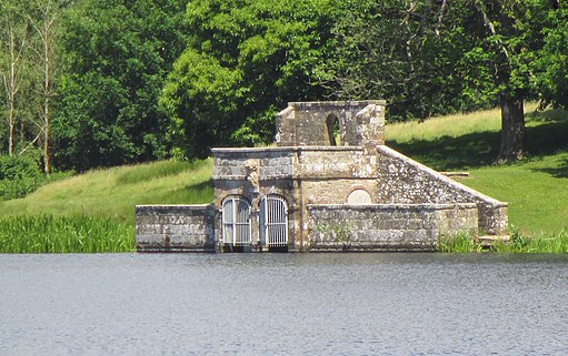 Boathouse at Petworth Park