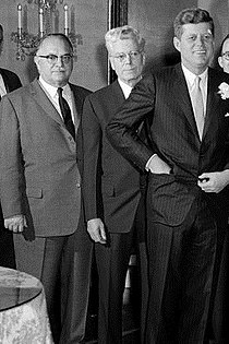 Bow and Feighan of Ohio with JFK, 1961-3-16 KN-17348.jpg