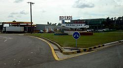 Welcome sign in Boyeros near airport