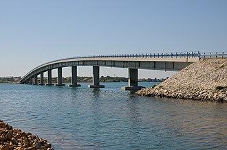 Vir - Image: Brücke nach Vir, Kroatien