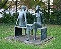 Bremen Schulstrasse Skulptur Sitzendes-Paar 2007-09-23.jpg