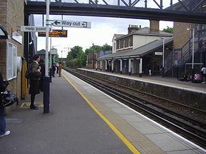 Brentford railway station - Image: Brentford railway station in 2008
