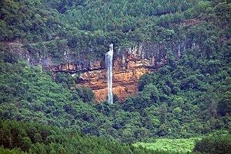 Bridal Veil Falls (Sabie) - Distant view of the falls