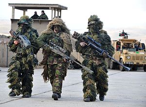 Ghillie suit - French and British snipers wearing sniper suits