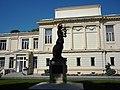 Bucuresti, Romania, Academia Romana, Calea Victoriei, nr. 121-127, sect. 1 (Statuie profilata pe fatada).JPG