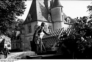 Reihenwerfer - Image: Bundesarchiv Bild 101I 300 1863 14, Riva Bella, Vorführung Panzerwerfer, Beladen